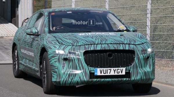 В сети появились свежие фотографии электрического кроссовера Jaguar I-Pace
