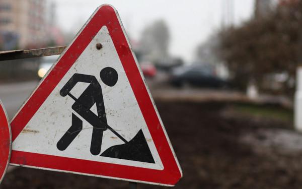 В Омске дорожников, укладывающих асфальт «мимо кассы», поймали на горячем