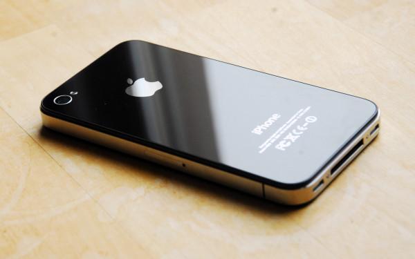 Американец собрал рабочий iPhone 4s за $50 из запчастей с китайских рынков