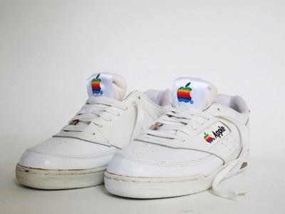 На eBay выставлены кроссовки от Apple за 15 тыс. долларов