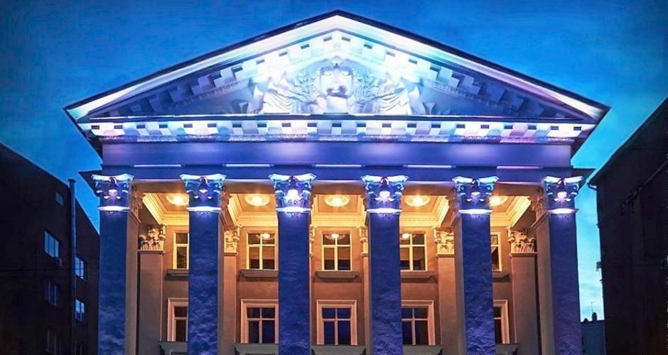 Артисты ансамбля Саратовской филармонии «Балаган» объявили голодовку