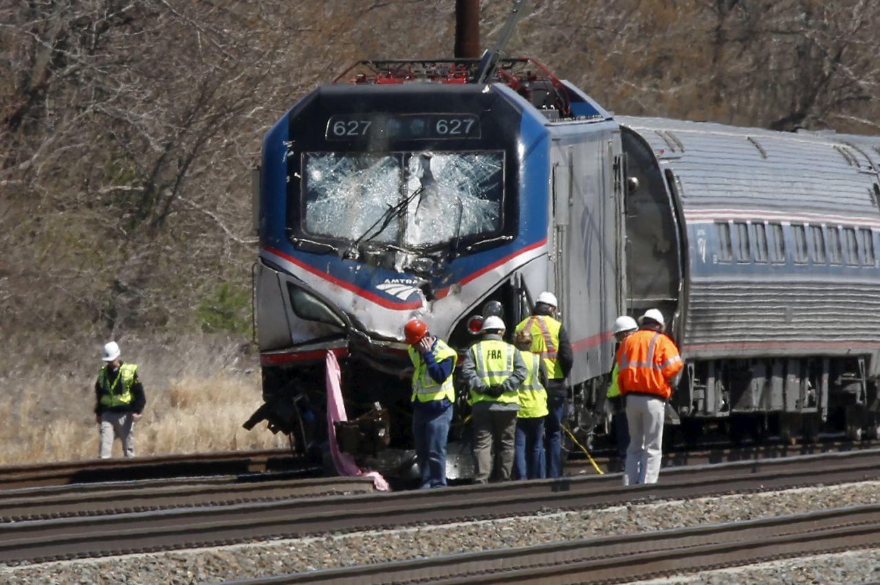 Вштате Вашингтон срельсов сошли 4 вагона поезда
