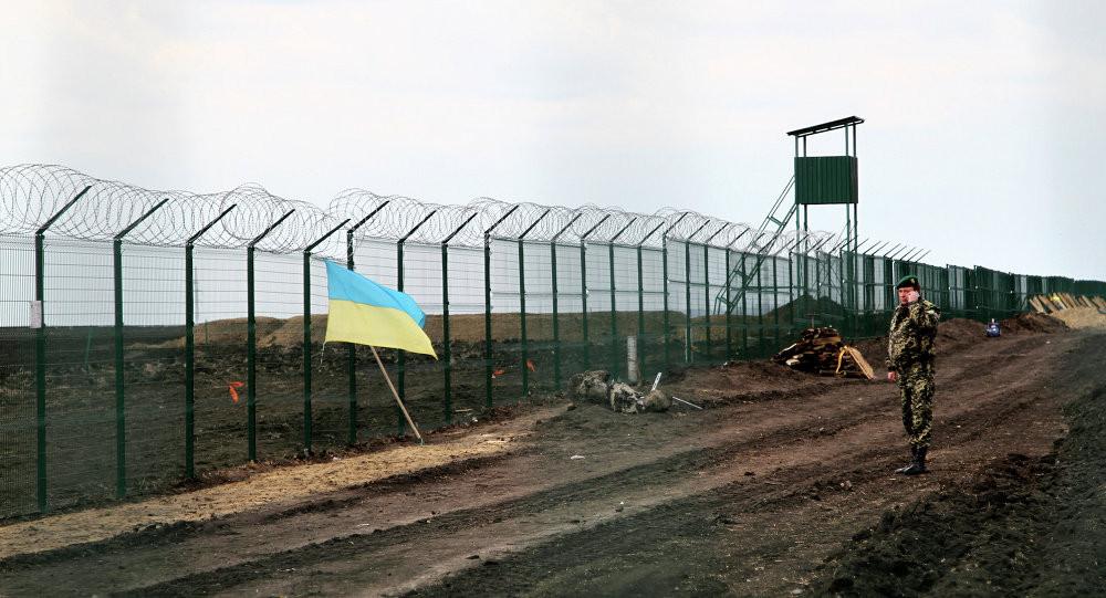 Стало известно, сколько потратили на шумный проект— «Золотая» стена Яценюка