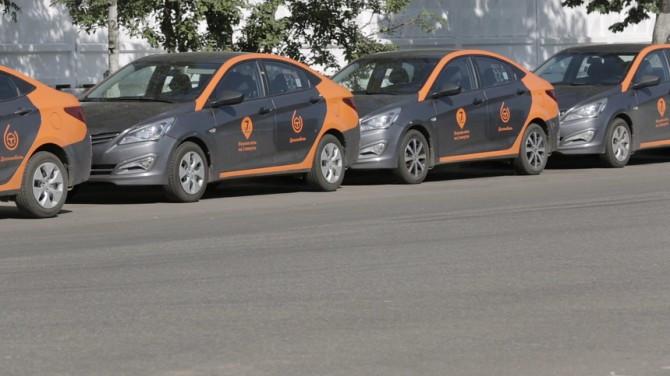 Компания «Делимобиль» удвоила автомобильный парк вПетербурге