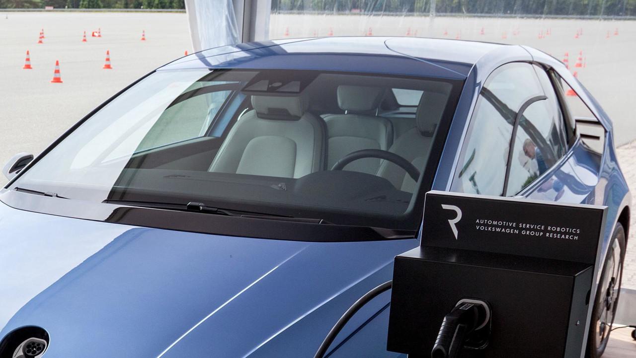 Фольксваген продемонстрировал прототип следующего Golf