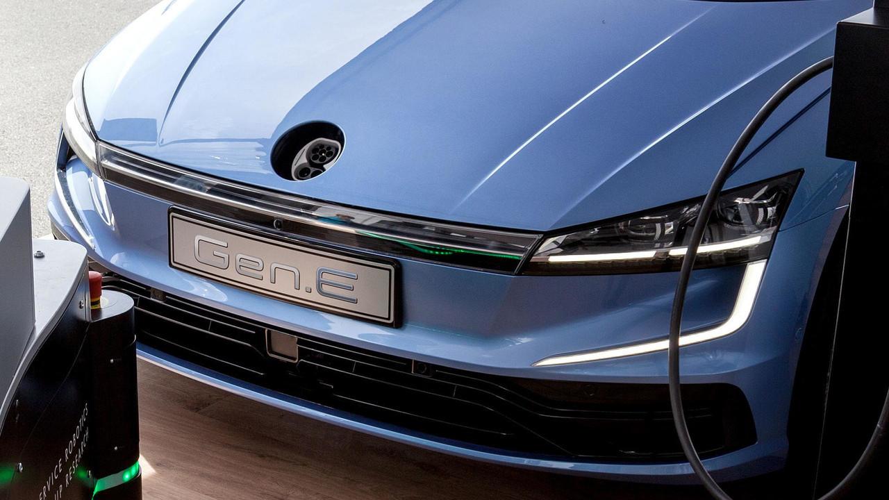Размещены  кадры  на100%  электрического Фольксваген  Golf