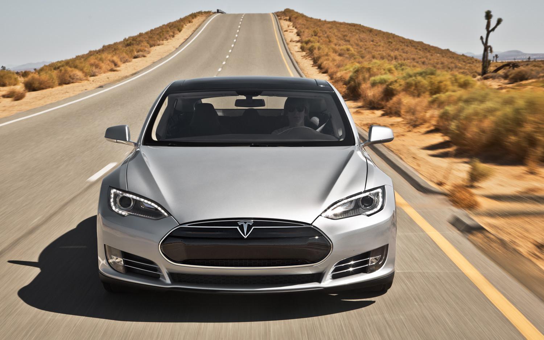 Tesla нарастила поставки воII квартале на53% - до22 тыс. авто