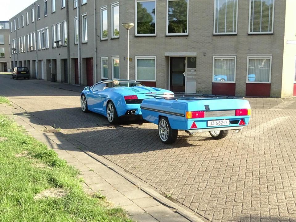 ВНидерландах сфотографировали Lamborghini Gallardo сприцепом