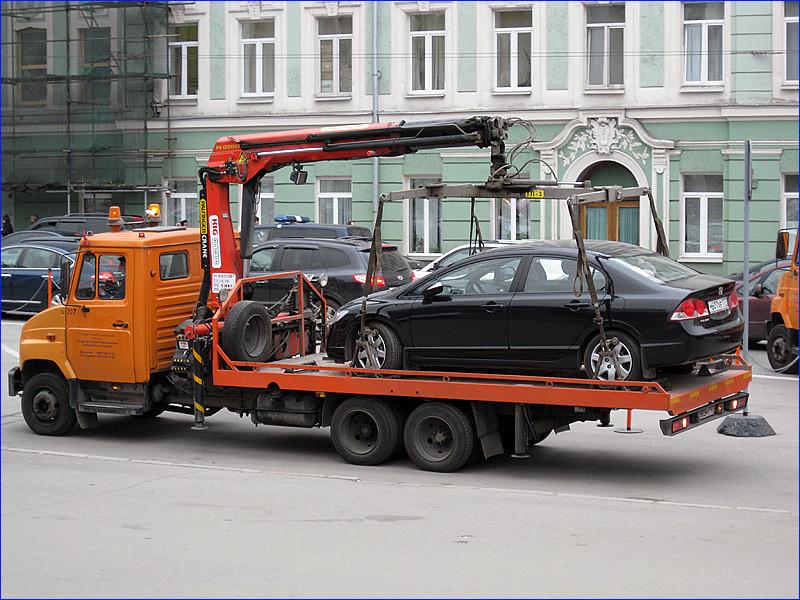ВТюмени эвакуация машины значительно упала вцене