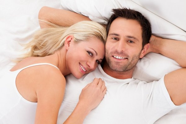 Сразу после секса засыпает мужчина
