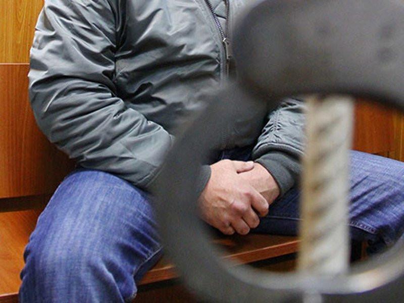 Тренер потеннису пытался изнасиловать девочку-подростка вСормовском парке