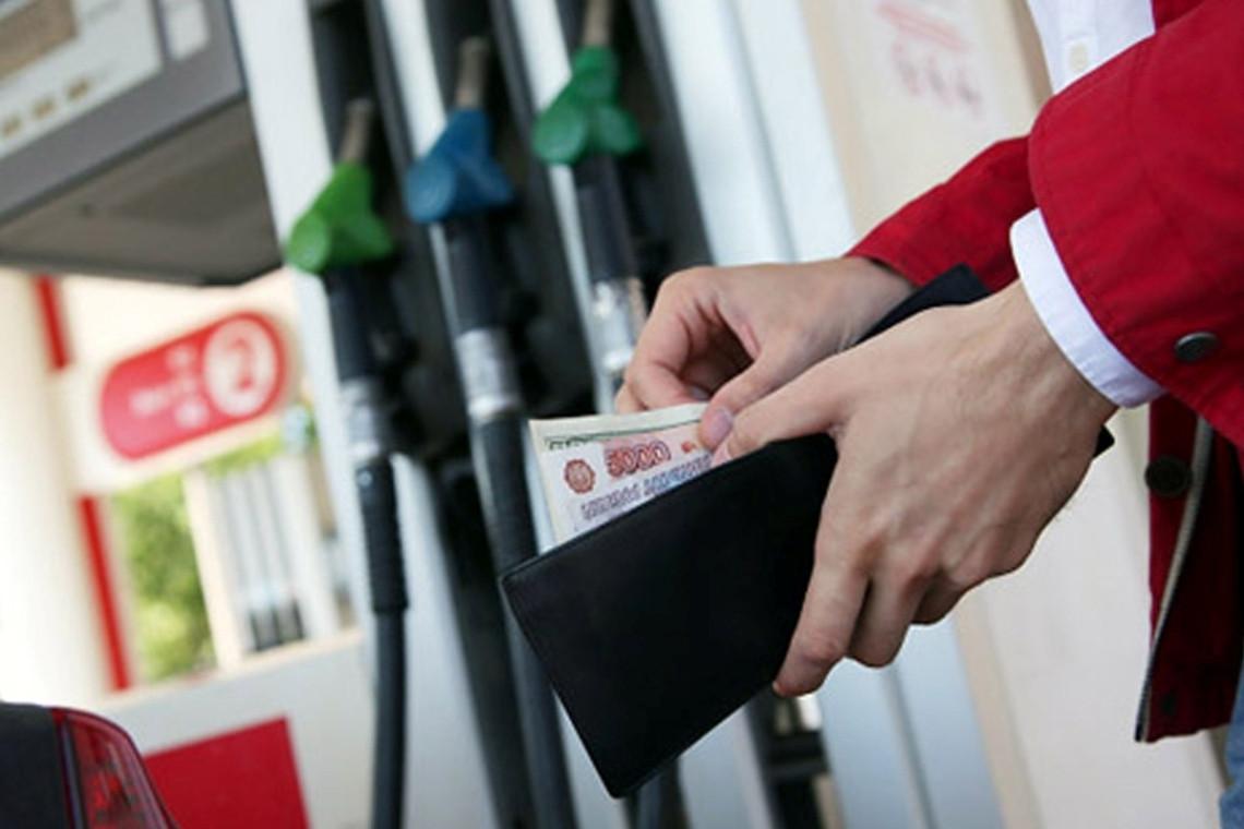 Дворкович: рост цен набензин порезультатам  2017 года непревысит инфляцию