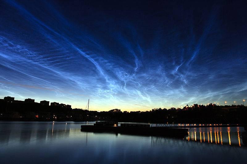 Серебристые облака вызвали вспышки вкосмосе