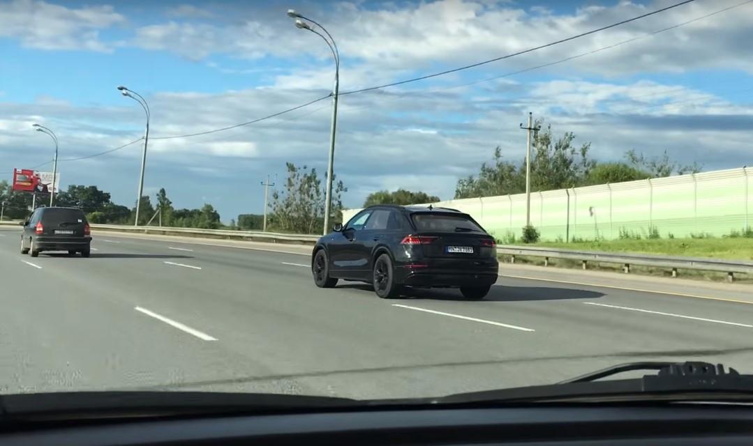Внедорожное купе Ауди  Q8 уже тестируется в РФ