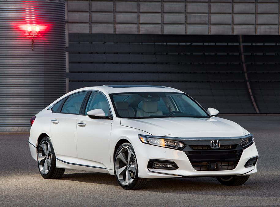 Хонда  представила седан Accord обновленного поколения