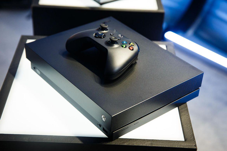 Microsoft представит новейшую  консоль Xbox One X летом  текущего года