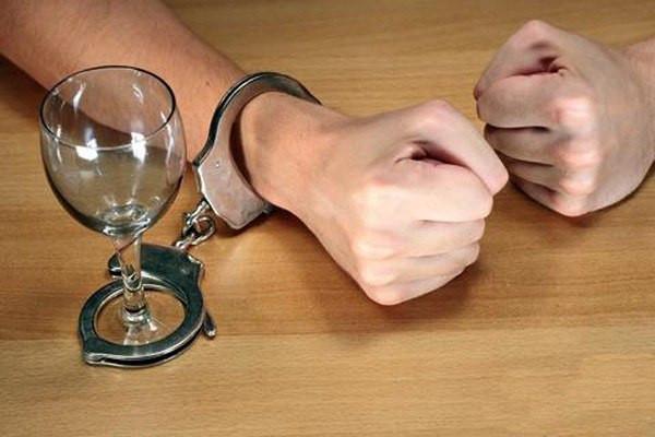 Новый метод лечения от алкоголизма лечение алкоголизма кадирование