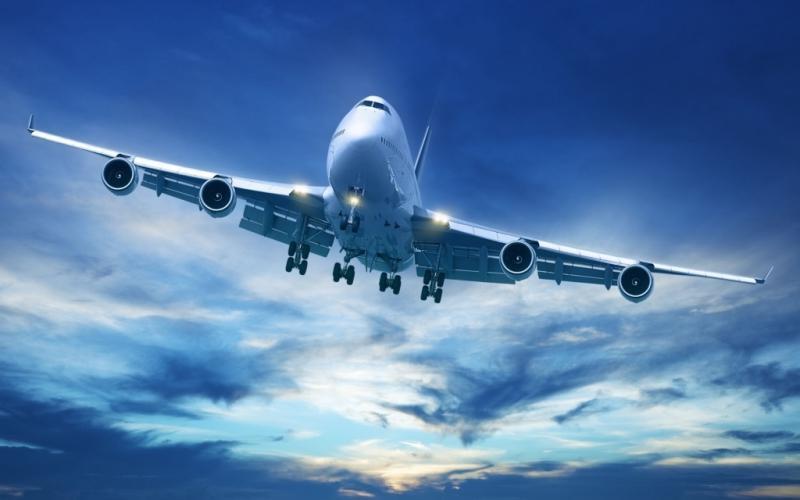 Во «Внуково» самолет при посадке задел хвостом взлетно-посадочную полосу