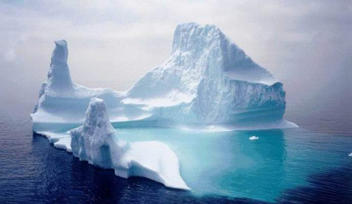NASA показало навидео формирование айсберга весом неменее  триллиона тонн