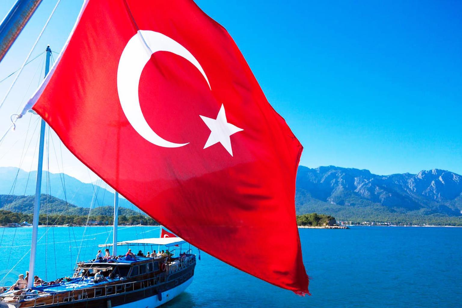 Турция запретила заезд  неменее  4 тыс граждан России