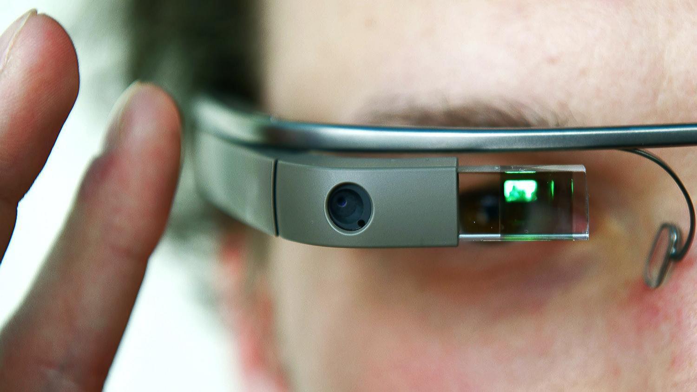 Новейшую модель Google Glass можно использовать с хоть какими очками