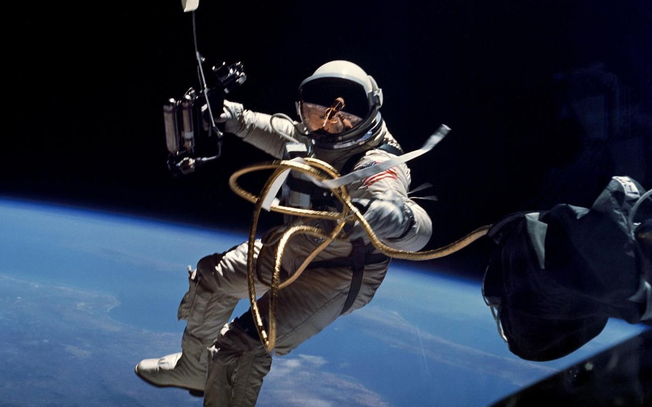 NASA испытало скафандр для полетов в глубокий космос