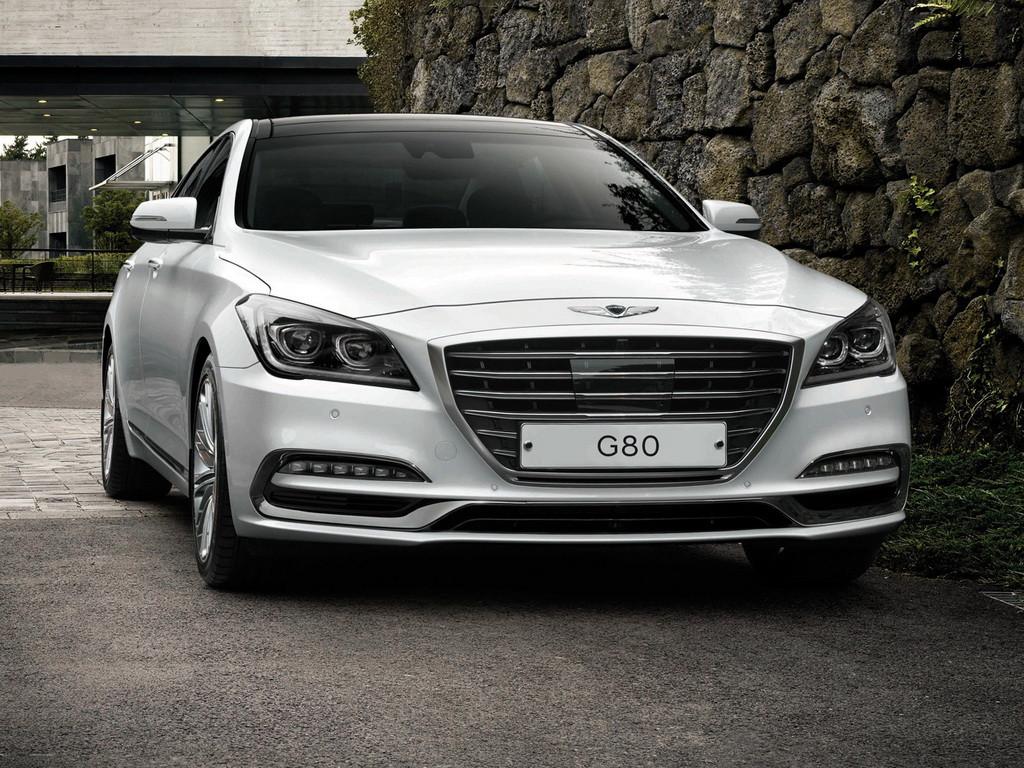 В Сети появились рублевые ценники 370-сильного седана Hyundai Genesis G80
