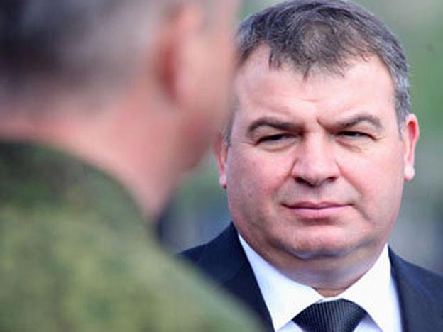 Экс-министра обороны Сердюкова отогнали от В. Путина