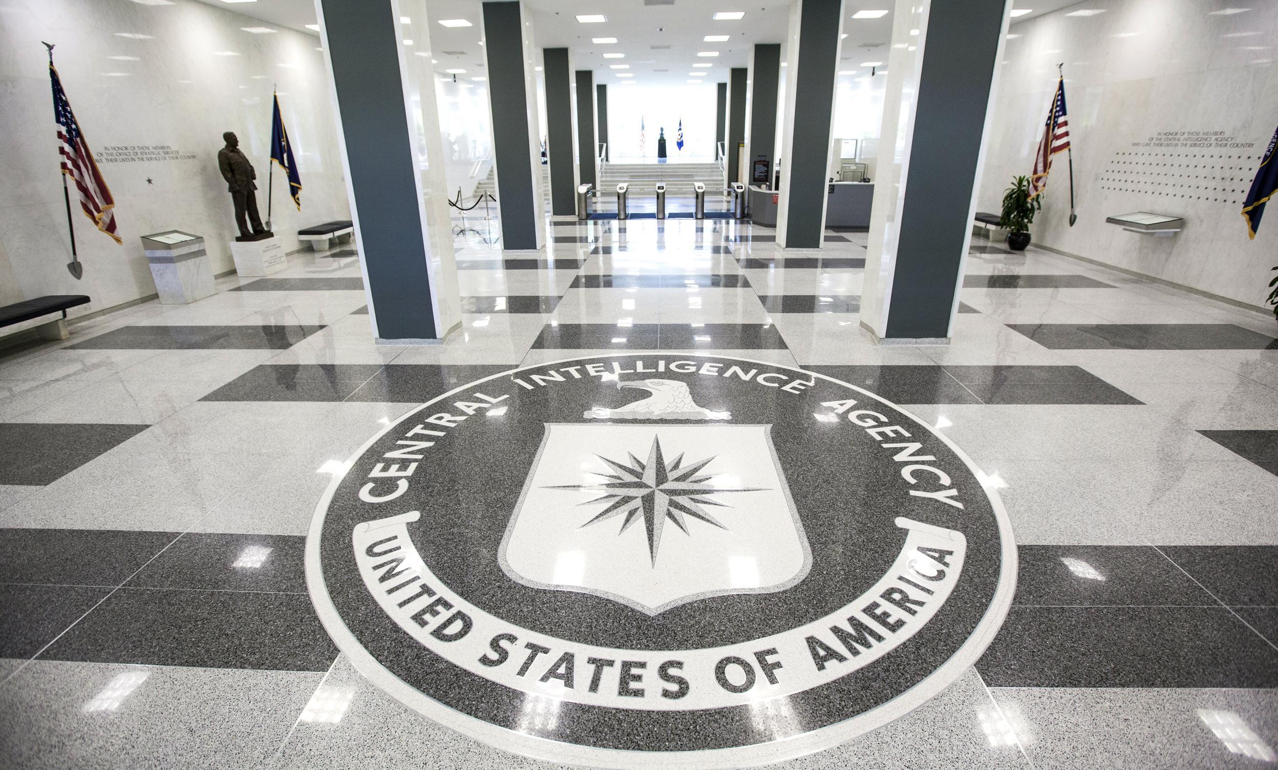 Глава ЦРУ заявил о «пристающих к Америке» русских
