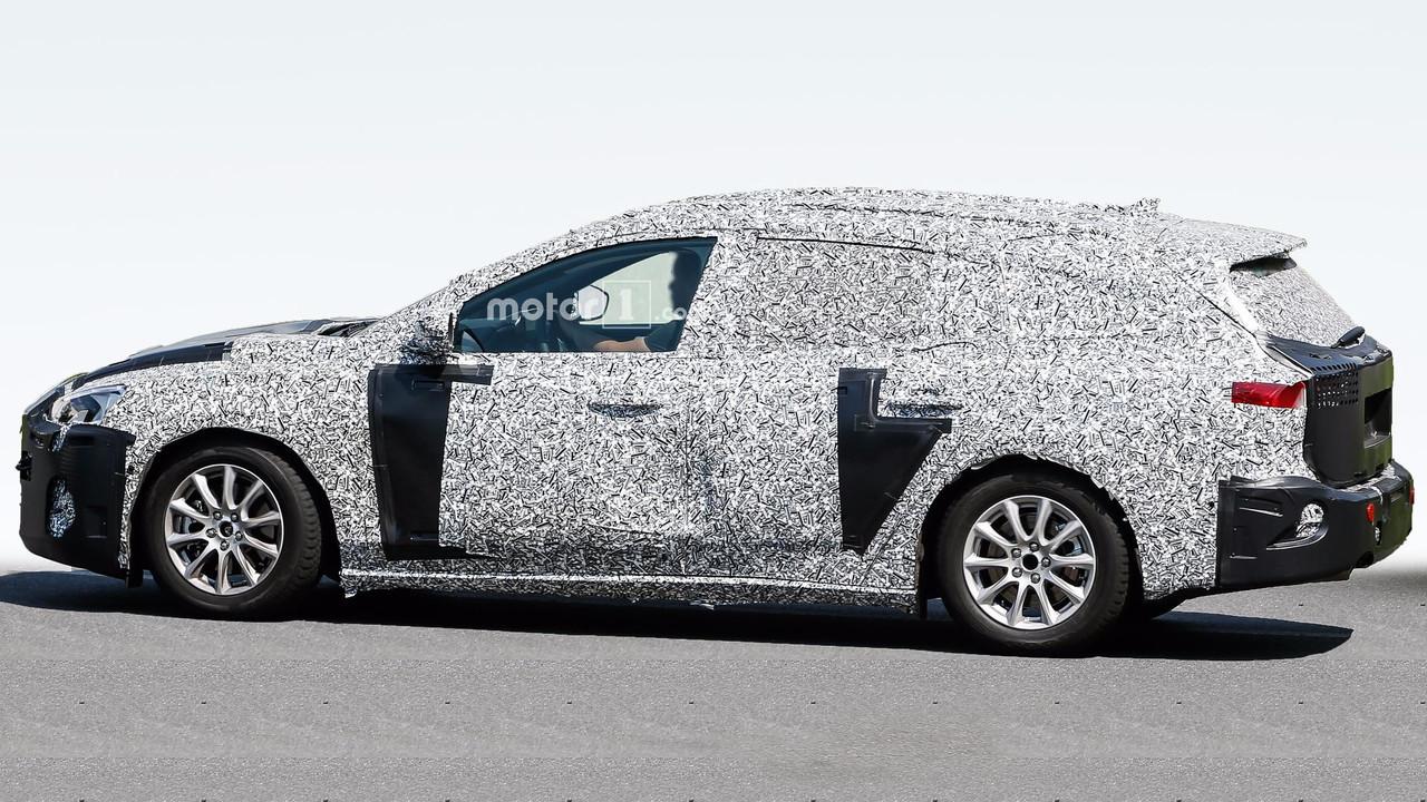 Форд тестирует универсал Focus обновленного поколения