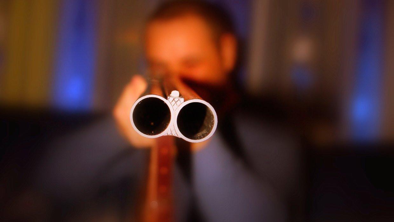 ВЛенинградской области бизнесмена застрелил изружья его клиент