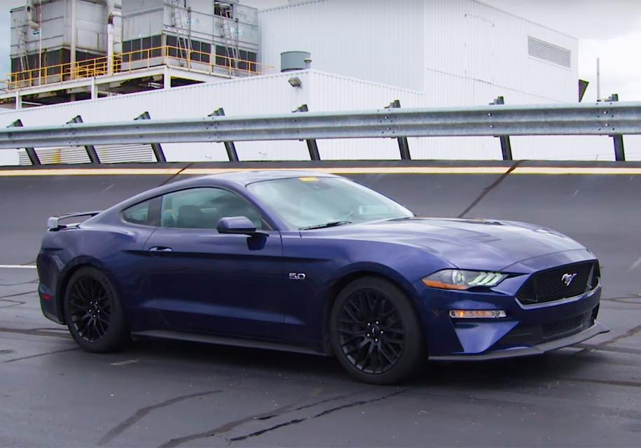 Mustang 2018 года сопцией Drag Strip будет самым быстрым авто