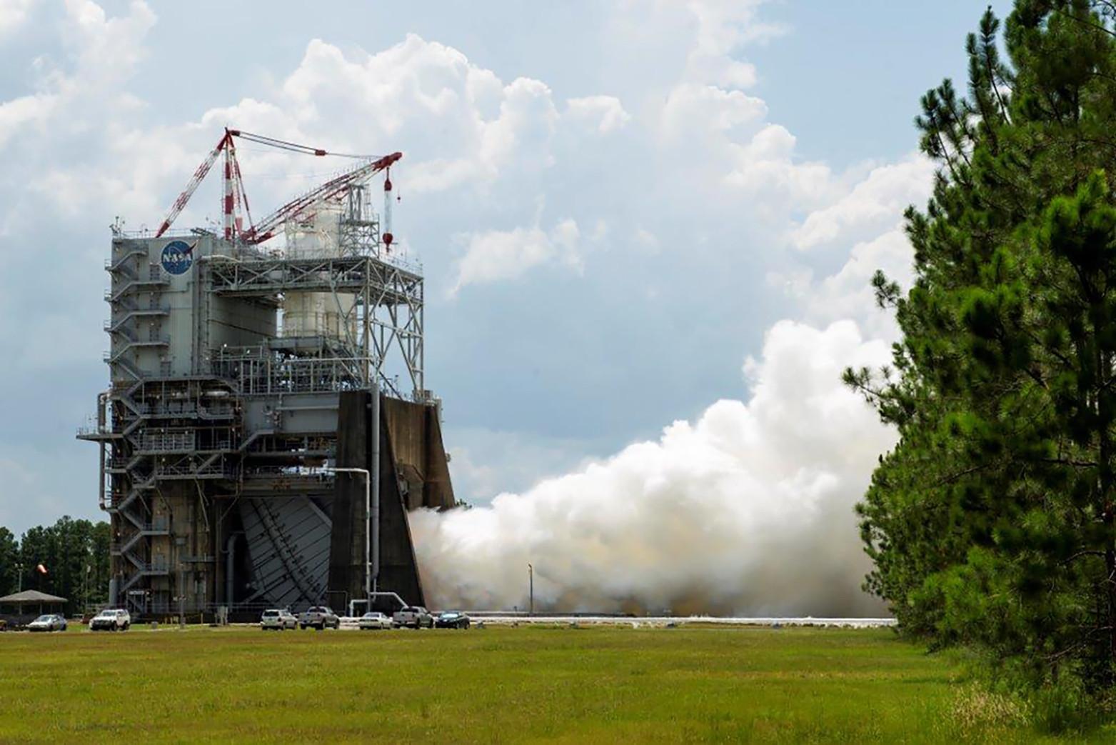 NASA испытывает мотор для тяжелых ракет в 3-й раз