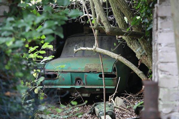 ВГермании отыскали заброшенную автомастерскую с«Москвичами»