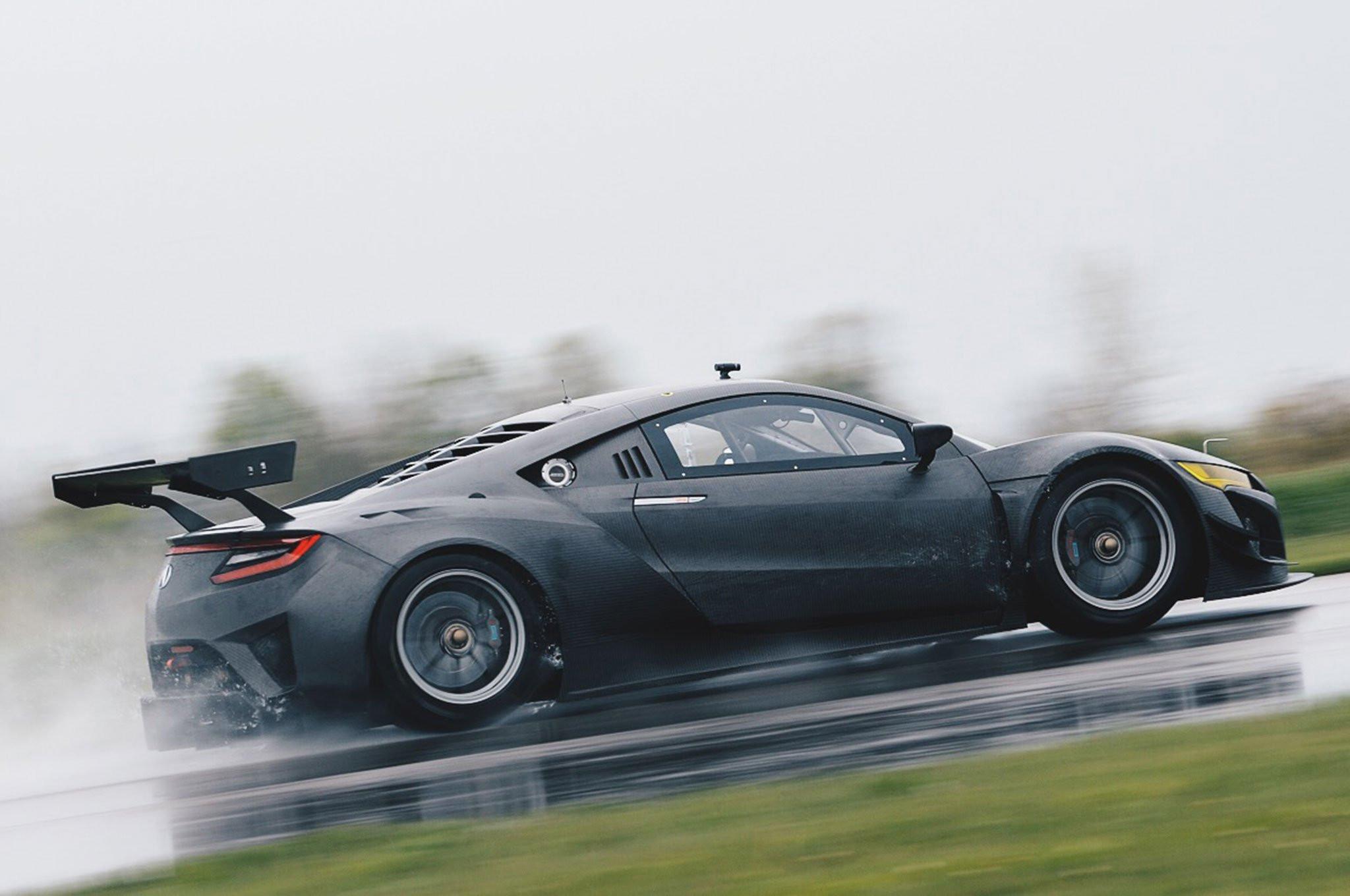 Хонда представила гоночное купе NSX GT3