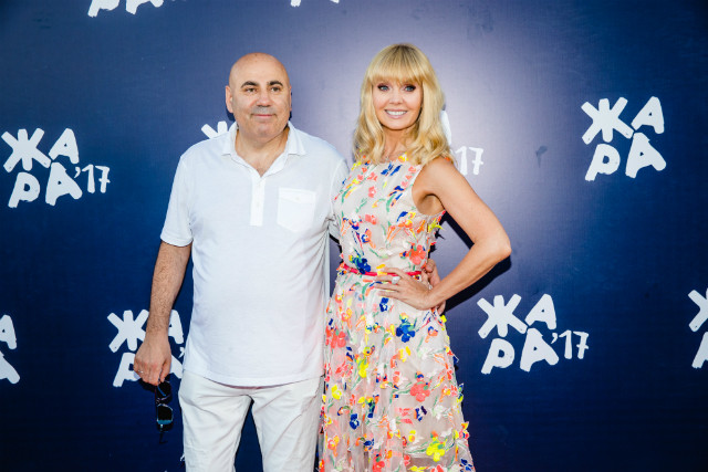 Нафестивале «Жара» Валерия иБузова шокировали публику своими нарядами