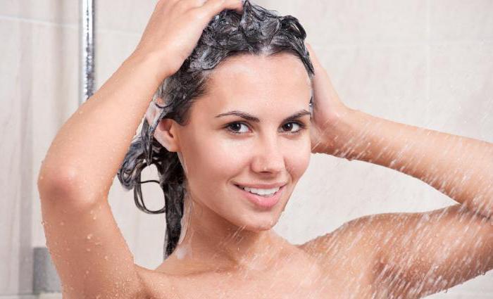 В какой воде мыть волосы