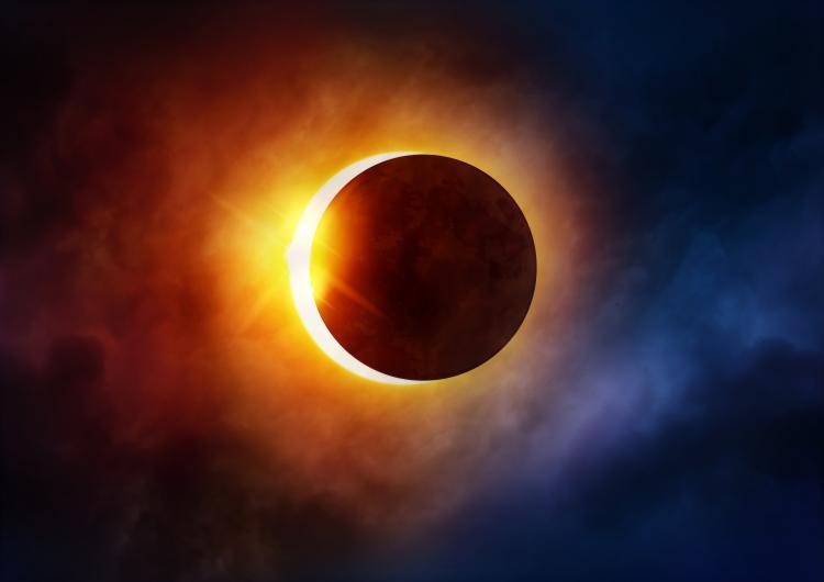 Ученые поведали, когда случится последнее полное солнечное затмение