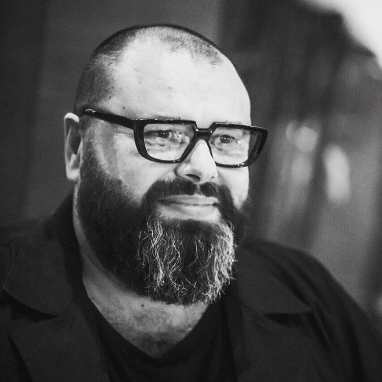 Максим Фадеев поддержал выступление Бузовой втрусах