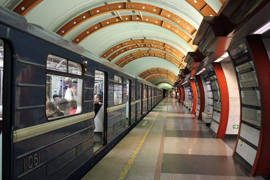 Суд признал преступными  проверки Ространснадзора впетербургском метро