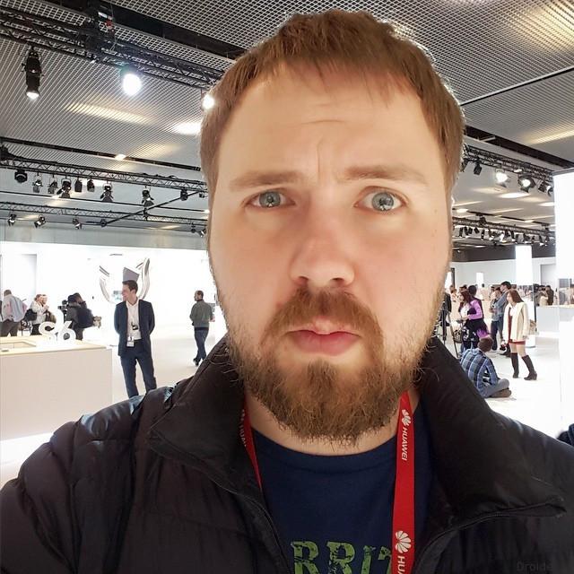 Самый высокооплачиваемый блогер Российской Федерации попал вавтокатастрофу
