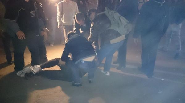 В Ростове орава хулиганов избила до полусмерти прохожего