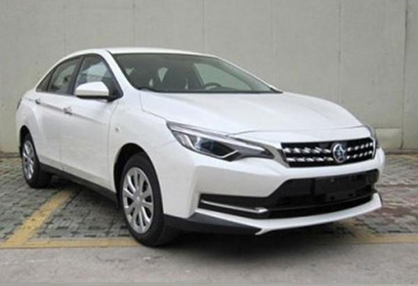 DongFeng и Nissan показали новый седан Venucia D60