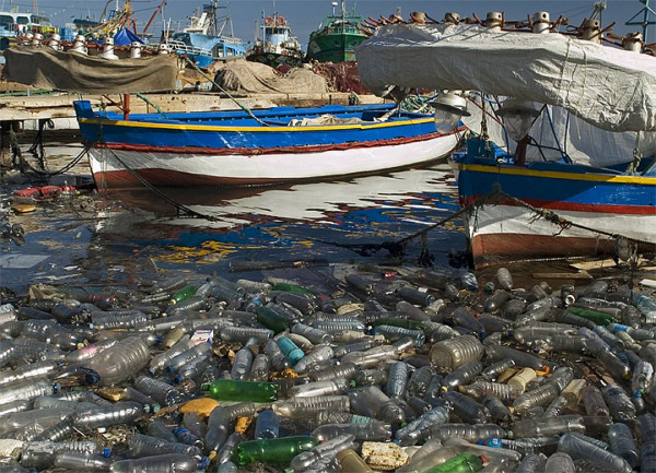 Ученые подсчитали количество пластикового мусора на Земле
