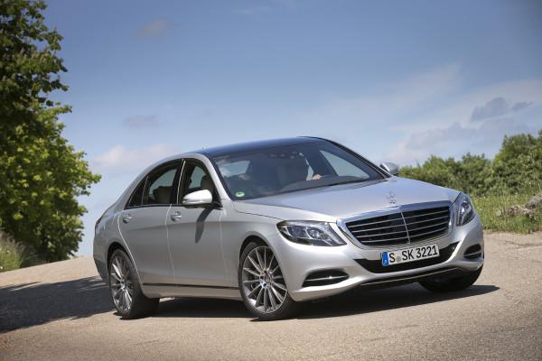 «Ингосстрах» застраховал роскошный Mercedes-Benz S-Class на 9 900 000 рублей