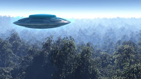 В интернете появилось видео с НЛО в форме шара