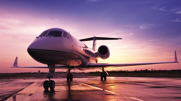 Самолет, направляющийся в Анталью, не смог взлететь