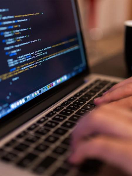 Рекламный вирус атакует компьютеры России и Украины