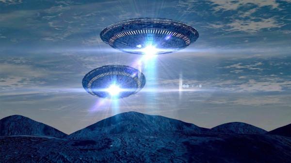 Пять НЛО сняли на видео в небе над Сербией