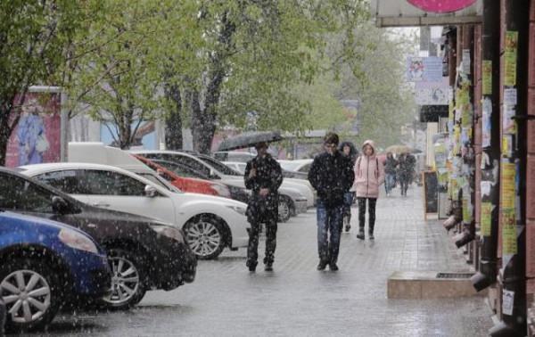 В Украине без электричества осталось более 300 населенных пунктов